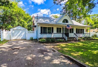 39 Woodville Road Middle Island NY 11953