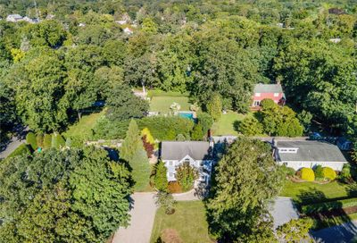 12 Foster Crossing E. Quogue NY 11942