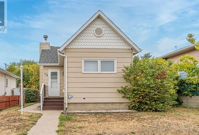 604 9th AVE NW Moose Jaw SK S6H4H8