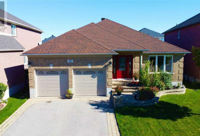33 Falcon Crescent Barrie ON L4N0Y9