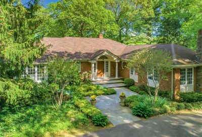 1988 Knollwood Road Muttontown NY 11791