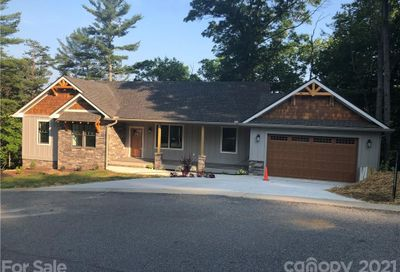15 Crossing Circle Fairview NC 28730