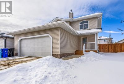 171 Williams Route Fort McMurray AB T9H5N6