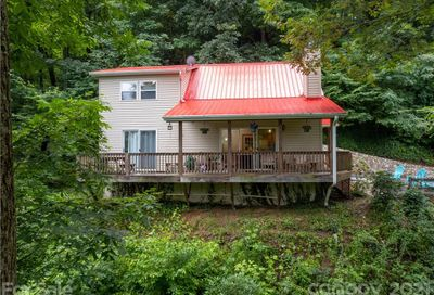 820 Creekside Drive Maggie Valley NC 28751