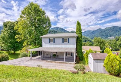 77 Crestwood Drive Maggie Valley NC 28751