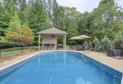 121 Timber Dr Dover TN 37058