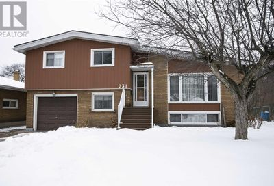 231 Willow AVE Sault Ste. Marie ON P6B5B4