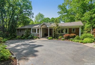 8 St. George Court Melville NY 11747