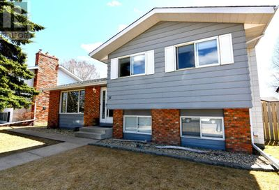 31 Cole Street Red Deer AB T4P2E5