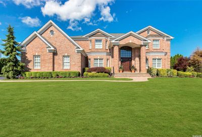 183 Pace Drive West Islip NY 11795