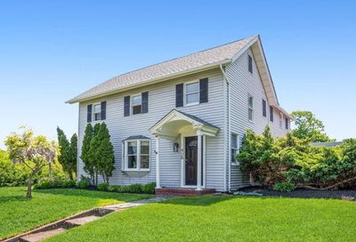 428 Montauk Highway East Moriches NY 11940