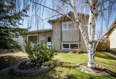223 Tanner Drive Airdrie AB T4A1S5