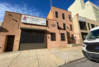 3922 30 St Long Island City NY 11101