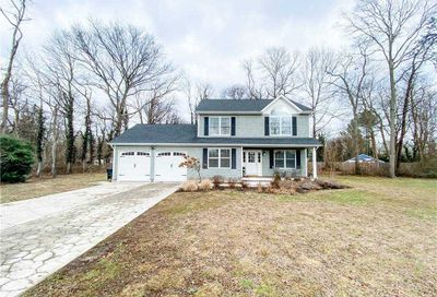 889 S Country Road Bellport NY 11713