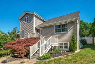 21 Conifer Court Northport NY 11768
