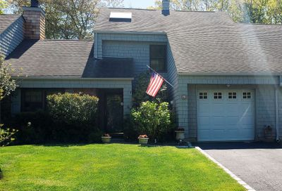 6 N Mcconnell Avenue Bayport NY 11705