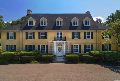 16 Forest Court Oyster Bay Cove NY 11791