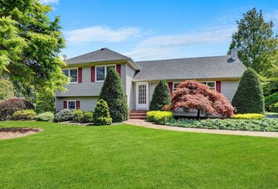 43 N Paquatuck Avenue East Moriches NY 11940