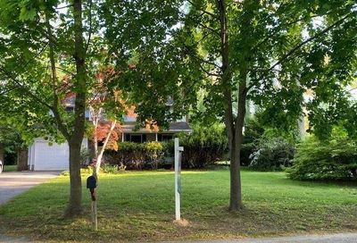 16 Clearbrook Drive Smithtown NY 11787