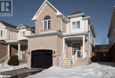 138 Sun King Crescent Barrie ON L4M0E5