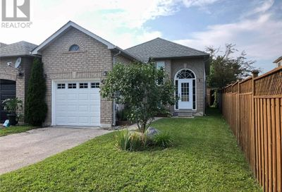 66 Athabaska Road Barrie ON L4N8E8