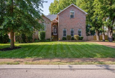 1605 Inverness Dr Spring Hill TN 37174