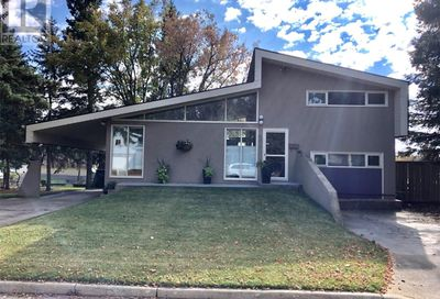 511 11th AVE North Battleford SK S9A2S7