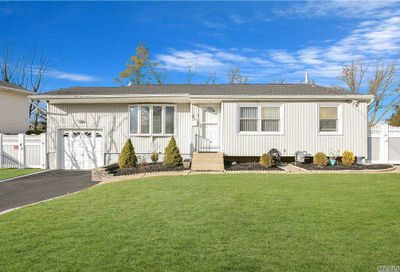 5 Deepdale Drive Brentwood NY 11717
