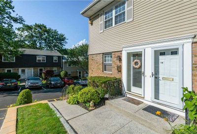 11 Harbour Lane Oyster Bay NY 11771