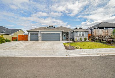 1008 Stonewater Drive Eagle Point OR 97524