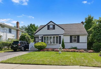 657 Winthrop Drive Uniondale NY 11553
