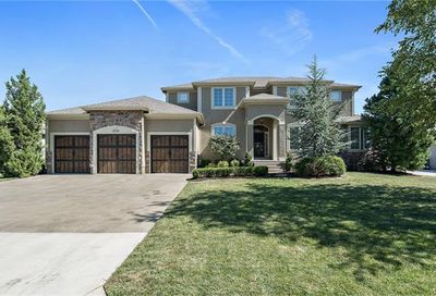 4201 SE Canter Drive Lee'S Summit MO 64082