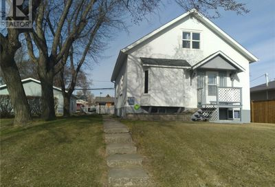 160 4th AVE SE Swift Current SK S9H3L4