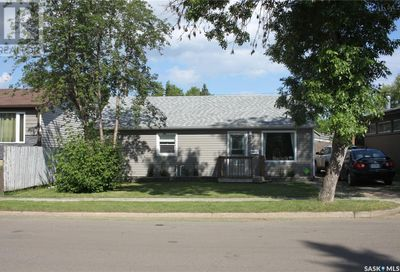1662 102nd ST North Battleford SK S9A1H1