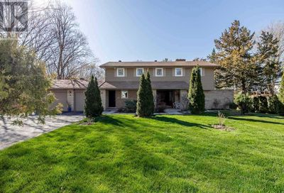 11 Eugenia Street Barrie ON L4M1P6