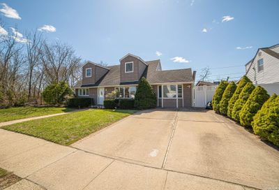 3158 Roxbury Lane Levittown NY 11756