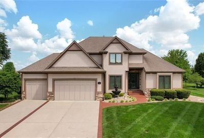 4728 SW Gull Point Drive Lee'S Summit MO 64082
