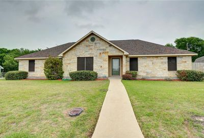 1365 E Independence Street Giddings TX 78942