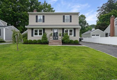 78 Midway Avenue Locust Valley NY 11560