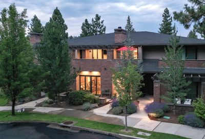2561 NW Crossing Drive Bend OR 97703