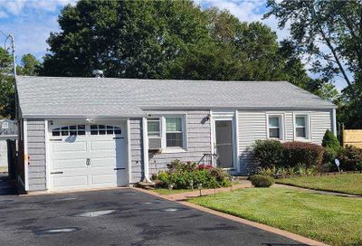 1705 N Thompson Drive Bay Shore NY 11706
