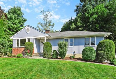 6 Jeanne Place Armonk NY 10504