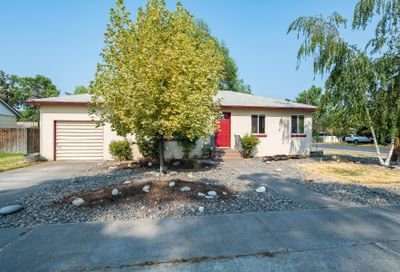 653 NW 8th Street Redmond OR 97756