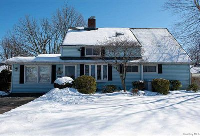 390 Red Maple Drive Wantagh NY 11793