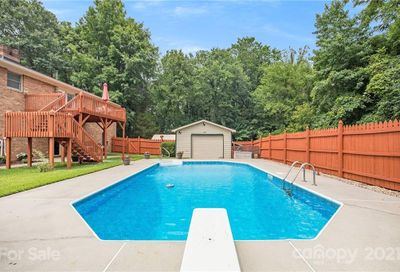 5038 Clearwater Lake Road Mount Holly NC 28120