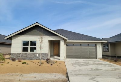2703 NW 25th Street Redmond OR 97756