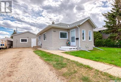 959 Hall ST W Moose Jaw SK S6H2S3