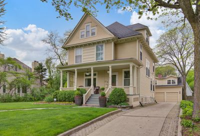 22 Orchard Place Hinsdale IL 60521