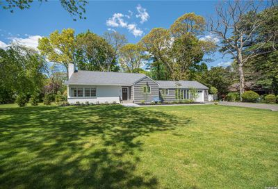50 Mohawk Drive Brightwaters NY 11718