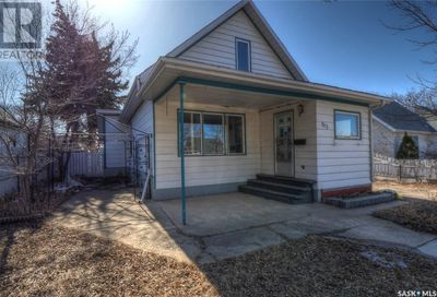 815 Athabasca ST E Moose Jaw SK S6H0M6